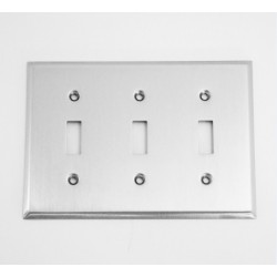 A'dor Traditional Triple Switch Switchplate