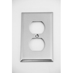 A'dor Traditional Outlet Switchplate
